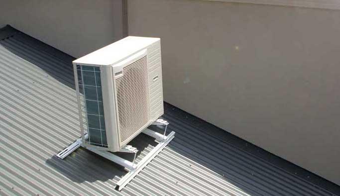 motore-condizionatore-su-tetto